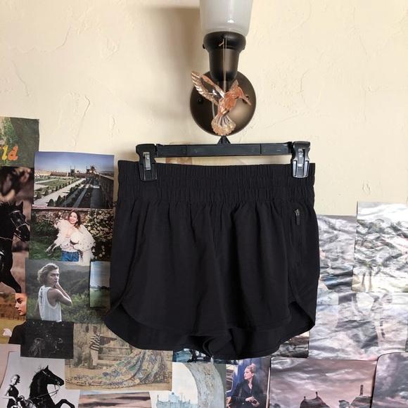 🧘🏻♀️LULULEMON🧘🏻♀️track that shorts NWOT